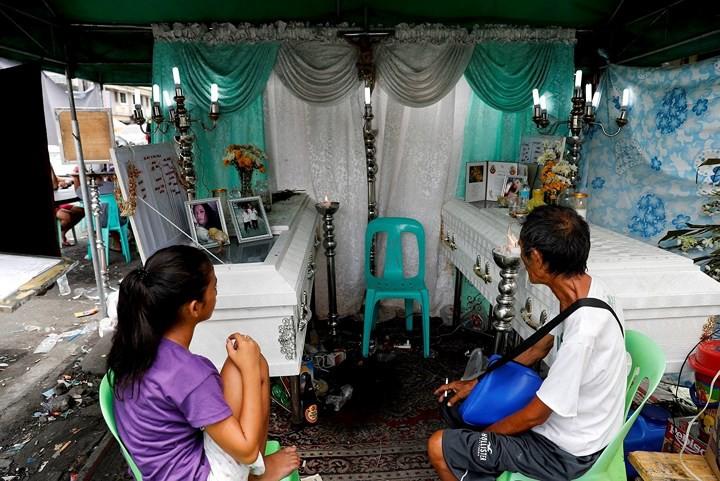 Ảnh: Cảnh tượng đau lòng trong những khu ổ chuột bị thiêu rụi ở Philippines - Ảnh 6.