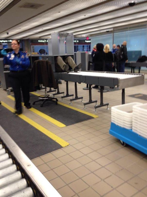 Tổng hợp những hình ảnh kỳ thú chỉ có ở sân bay - Ảnh 10.