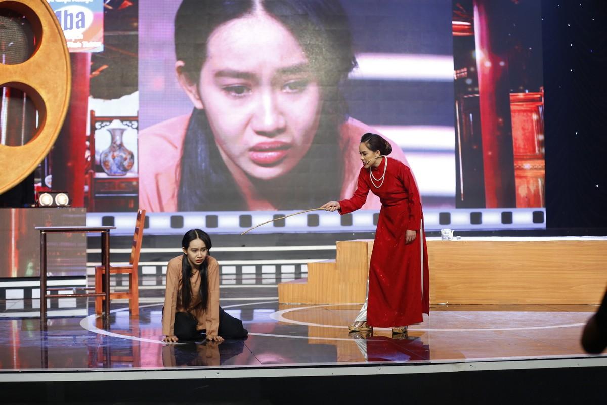 Việt Trinh bật khóc trên truyền hình khi nhớ lại thời gian bị ức hiếp bắt bỏ nghề - Ảnh 4.