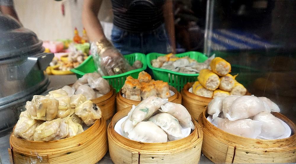 Xem để thấy người Sài Gòn rất biết tận dụng xíu mại trong nhiều món ngon như thế này đây - Ảnh 4.