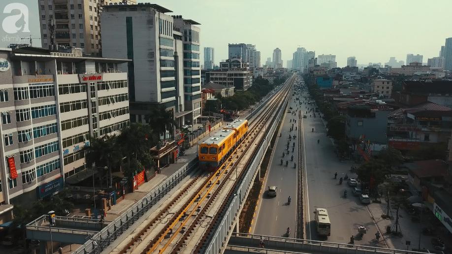 Đường sắt Cát Linh - Hà Đông chạy thử tàu - Ảnh 1.