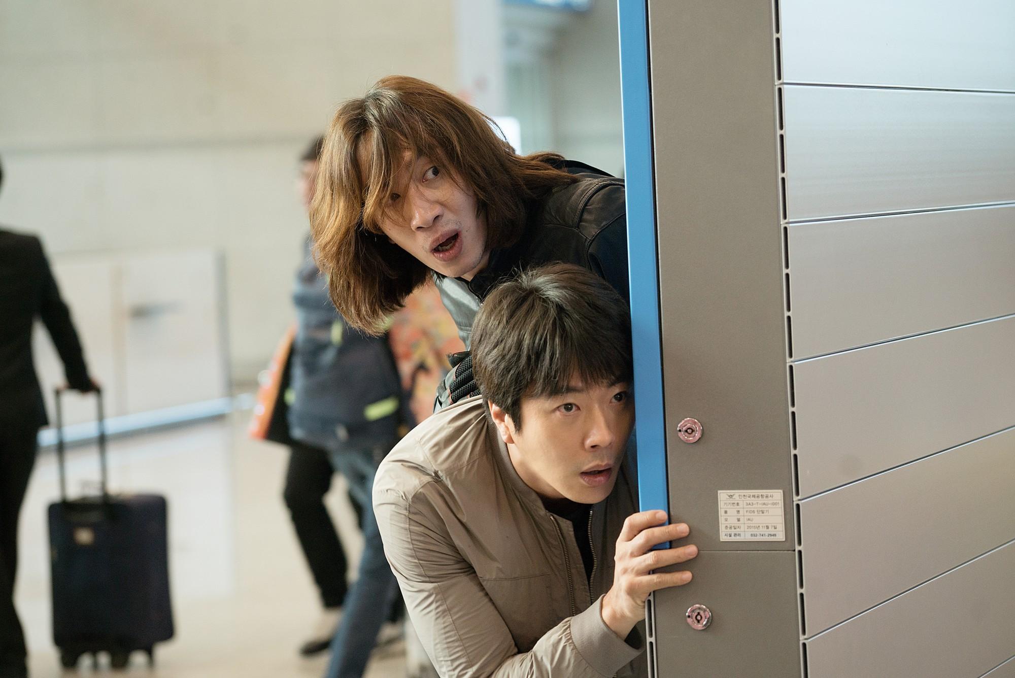 """""""Thám Tử Gà Mơ 2"""": Bộ đôi thám tử lầy lội đã trở lại và """"ăn hại"""" hơn xưa cùng Lee Kwang Soo - Ảnh 3."""