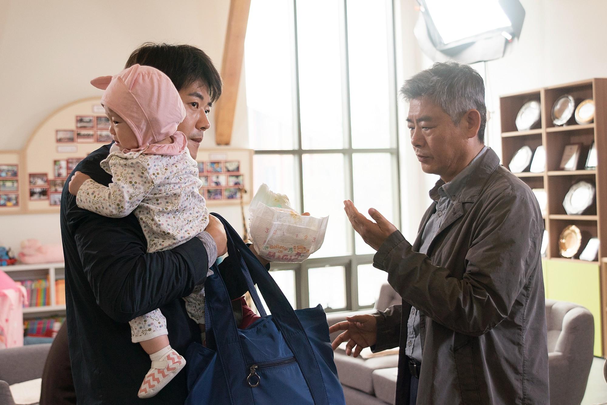 """""""Thám Tử Gà Mơ 2"""": Bộ đôi thám tử lầy lội đã trở lại và """"ăn hại"""" hơn xưa cùng Lee Kwang Soo - Ảnh 4."""