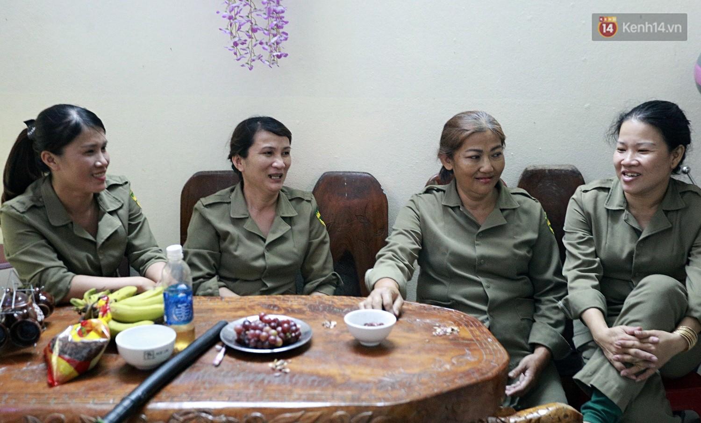 Chung cư không chồng ở Đà Nẵng: Nơi những người phụ nữ đùm bọc, làm tất cả việc của đàn ông kể cả bảo vệ tổ dân phố - Ảnh 10.