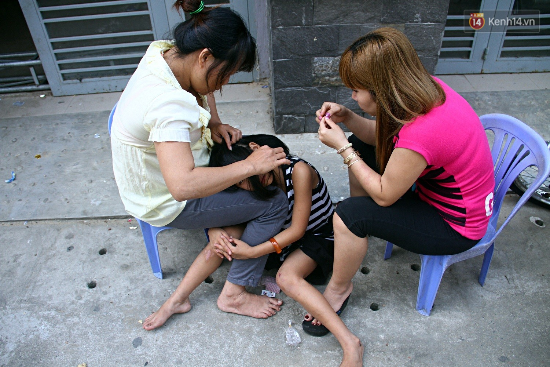 Chung cư không chồng ở Đà Nẵng: Nơi những người phụ nữ đùm bọc, làm tất cả việc của đàn ông kể cả bảo vệ tổ dân phố - Ảnh 8.
