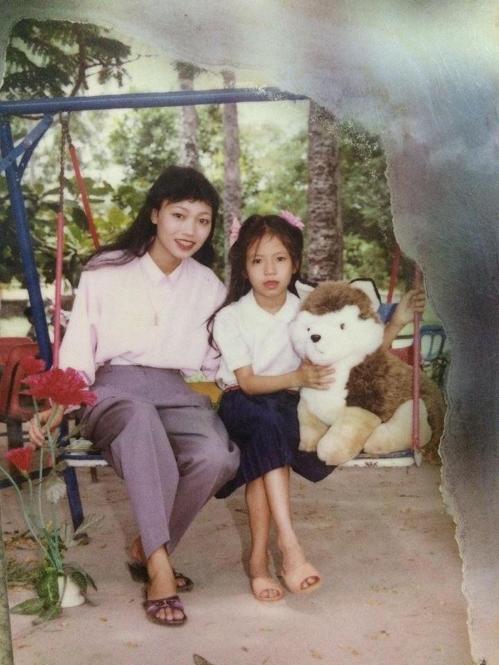 Nhìn lại ảnh ngày xưa mới thấy, mẹ chúng ta chính là những hotgirl và fashionista đời đầu! - Ảnh 3.