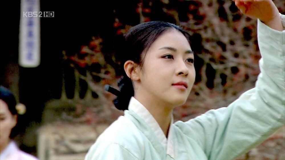 3 mỹ nhân Hàn hạng A hiện vẫn ế: Phải chăng vì quá đẹp, giàu và quyền lực nên không chàng trai nào với tới được? - Ảnh 10.