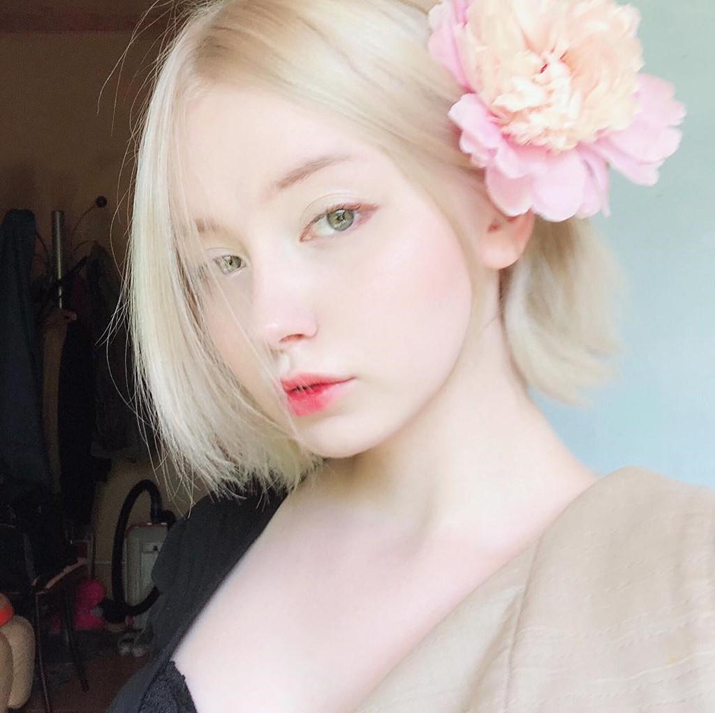 Đẹp trong trẻo và cực kì dịu dàng, cô gái Nga này chắc chắn là nàng thơ của mọi chàng trai - Ảnh 1.