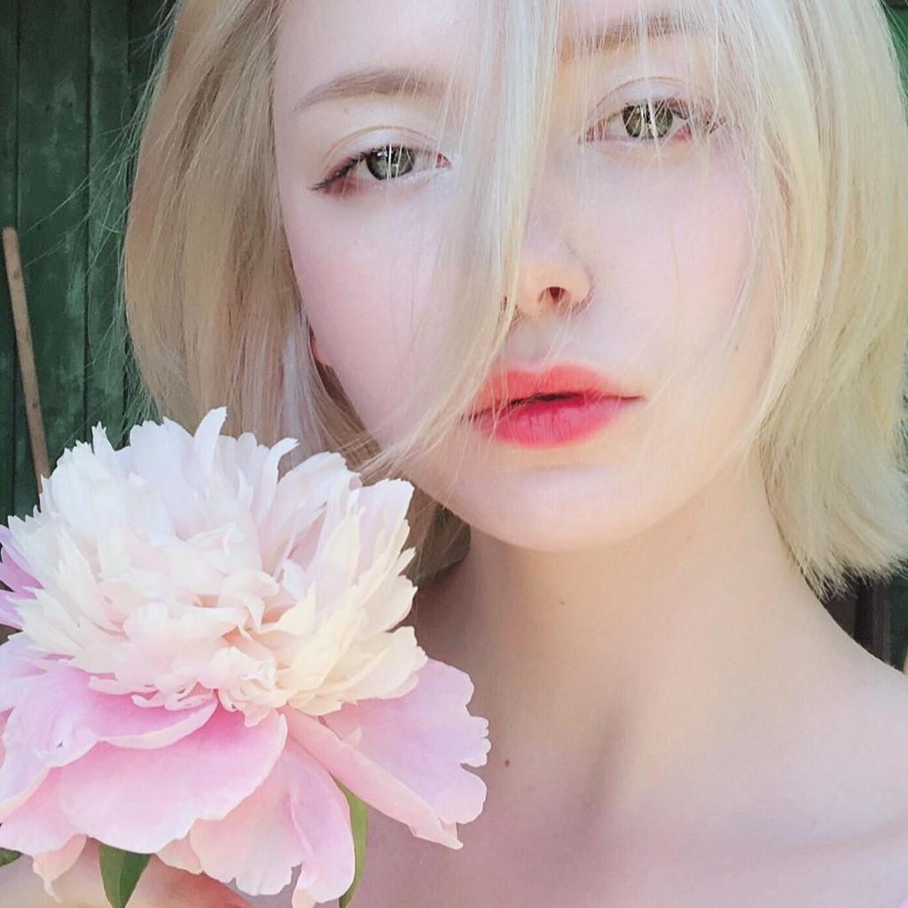 Đẹp trong trẻo và cực kì dịu dàng, cô gái Nga này chắc chắn là nàng thơ của mọi chàng trai - Ảnh 7.