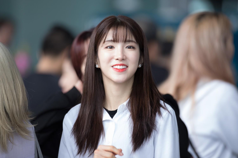 Dispatch phát hiện điểm chung không lạ nhưng ít ai để ý của 2 nữ idol đẳng cấp nữ thần hot nhất xứ Hàn Suzy và Irene - Ảnh 19.