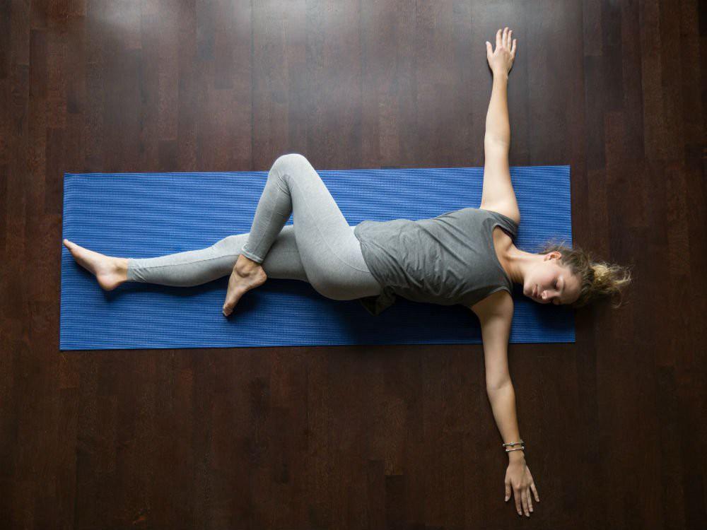 Bạn thường xuyên bị mất ngủ, hãy lưu ngay những bài tập yoga này để nhanh chóng có được giấc ngủ ngon - Ảnh 7.