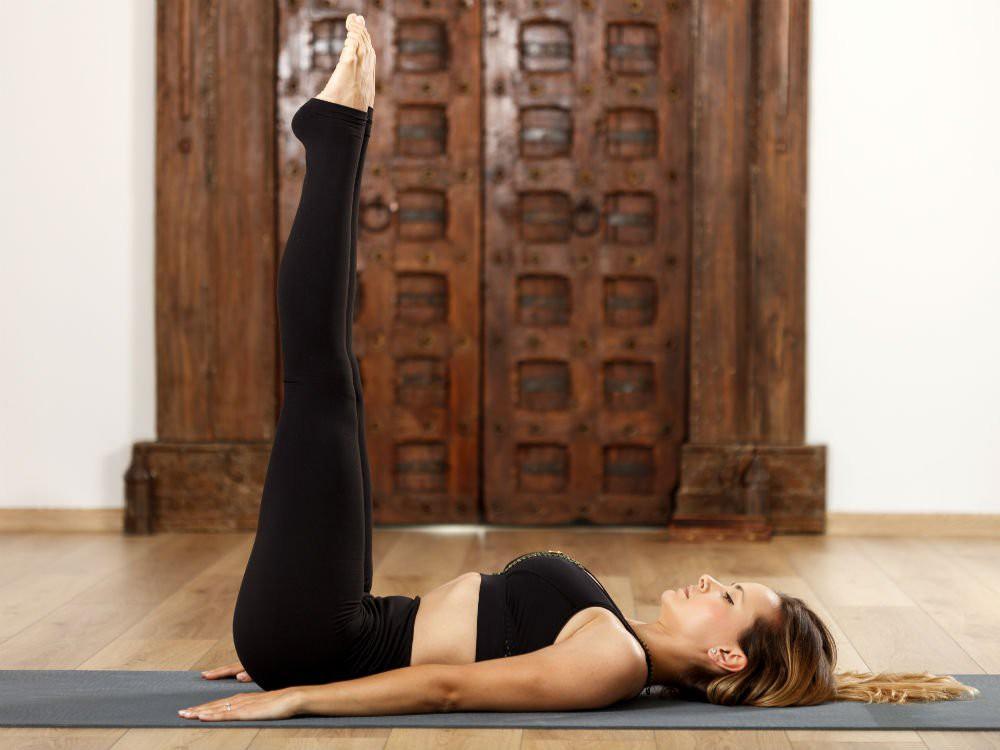 Bạn thường xuyên bị mất ngủ, hãy lưu ngay những bài tập yoga này để nhanh chóng có được giấc ngủ ngon - Ảnh 8.