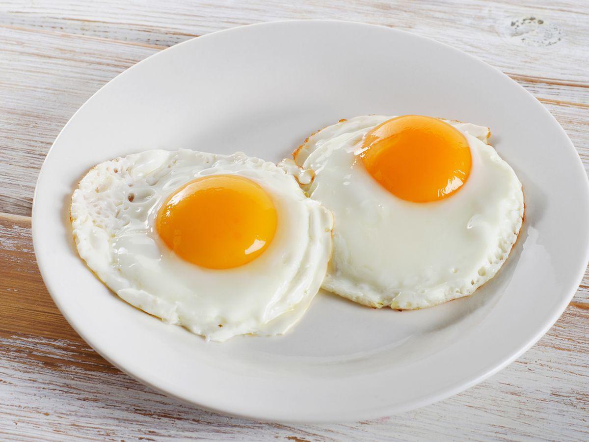 Nhà bếp mà có dụng cụ này thì gái đoảng đến mấy cũng đập trứng ngon ơ - Ảnh 1.