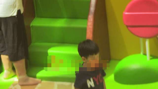 Hình ảnh con trai riêng 5 tuổi luôn được mỹ nhân Hoan Lạc Tụng giấu kín tiếp tục được tiết lộ - Ảnh 7.
