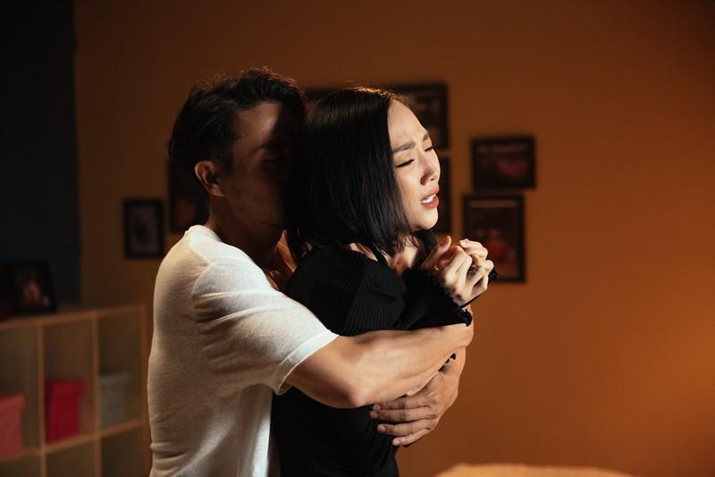 Tóc Tiên hóa linh hồn ám ảnh vì tình yêu trong MV hợp tác với bạn trai tin đồn Hoàng Touliver - Ảnh 6.
