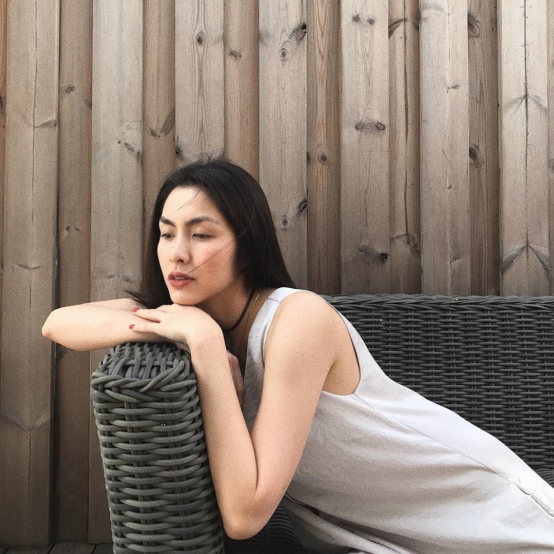 Khi đẹp cỡ Hà Tăng, bạn sẽ chỉ cần son, sự hiện diện của mọi loại mỹ phẩm cầu kỳ khác đều vô nghĩa - Ảnh 3.