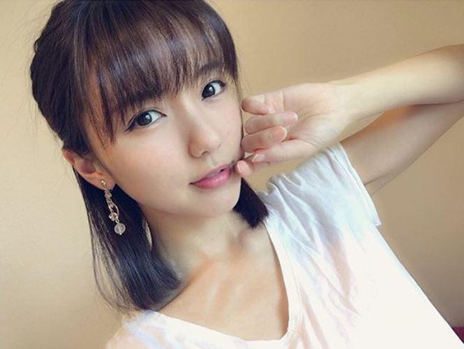 Bóng hồng Nhật Bản cưới tiền vệ kém tuổi hậu World Cup - Ảnh 4.