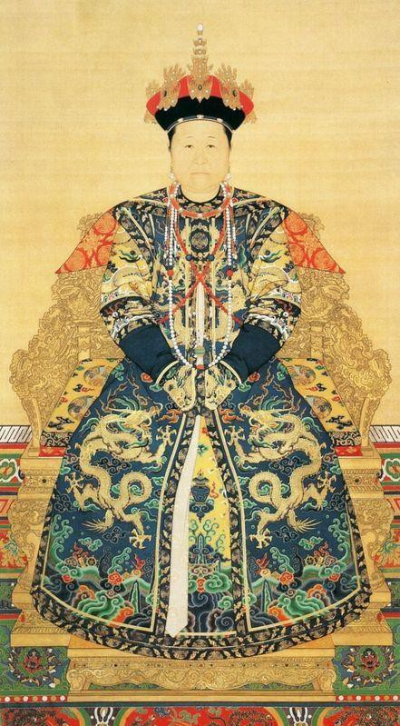 Truyền kỳ cuộc đời Tô Ma Lạt: Cung nữ duy nhất được cả hoàng tộc kính trọng, chết đi có hoàng đế để tang, xây lăng mộ - Ảnh 2.
