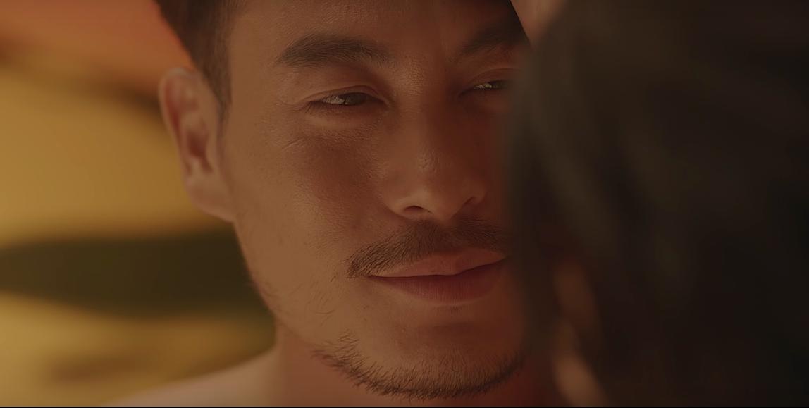 Trong MV thì làm Tóc Tiên khóc, ngoài đời thì NTK Trương Thanh Long lại làm tan chảy biết bao con tim - Ảnh 2.