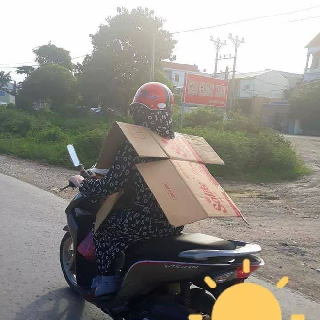 Bản tin ninja hè 2018: Kín bưng đầu đến chân, khoác thêm giáp trụ bìa carton để chống nóng - Ảnh 1.