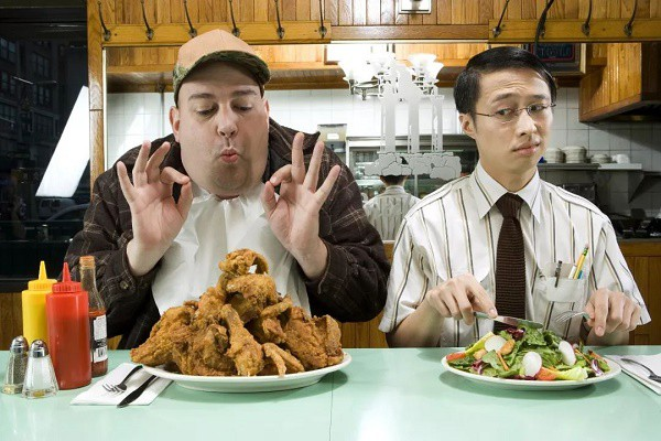 Phạt tiền nếu để thừa đồ ăn khi ăn buffet - quy định đã có từ lâu nhưng là nên hay không nên? - Ảnh 4.