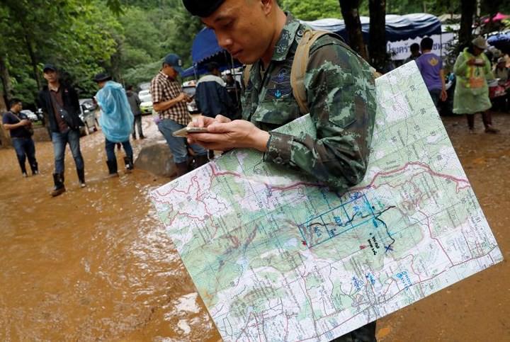 Ảnh: Toàn cảnh nỗ lực giải cứu đội bóng Thái Lan đầy cam go - Ảnh 21.