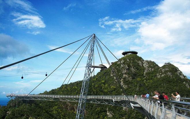 Bên cạnh cầu Vàng Đà Nẵng, còn có 5 cây cầu khác khiến cả thế giới thích thú vì thiết kế độc đáo, ấn tượng - Ảnh 14.