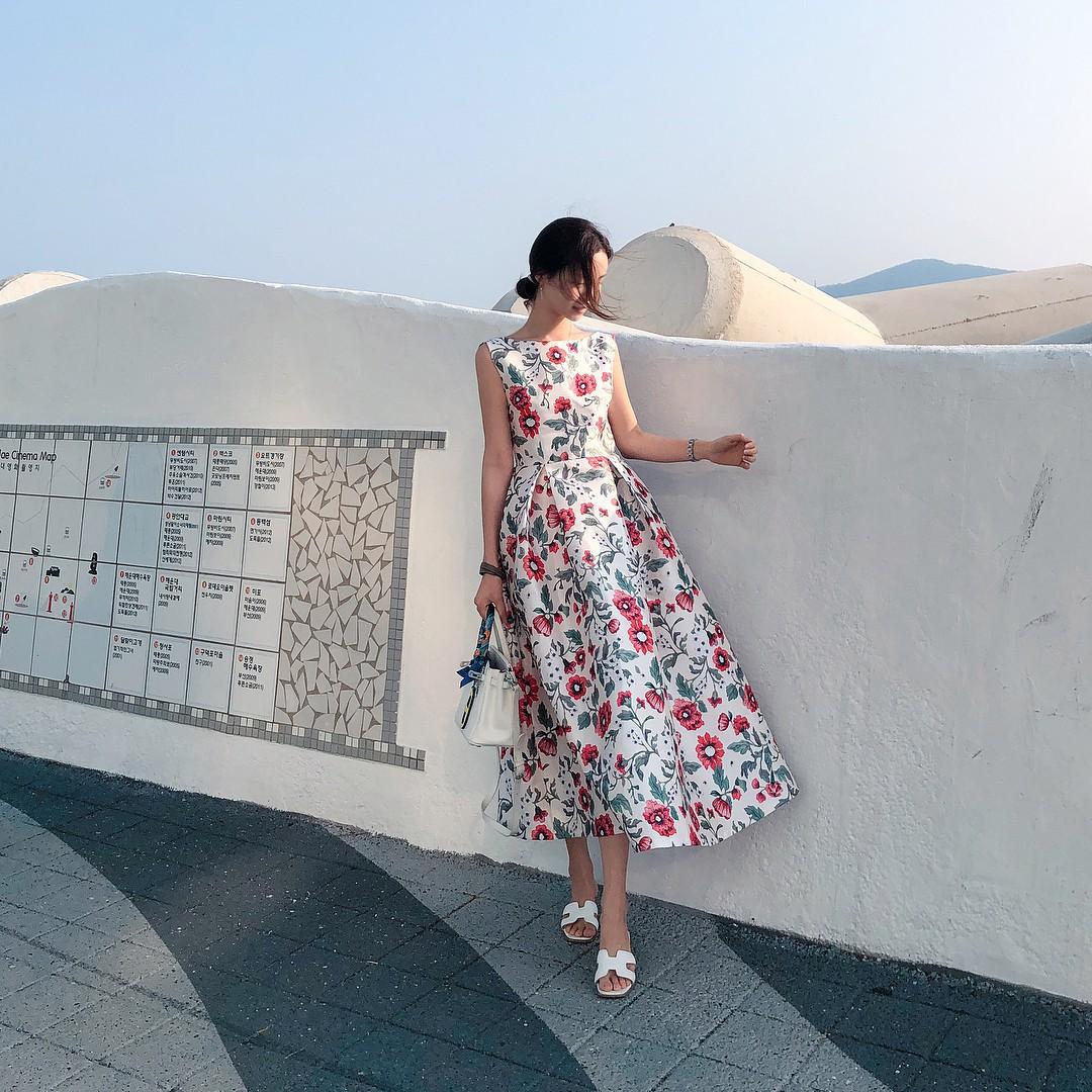 Gợi ý 5 mẫu váy thanh lịch, trang nhã cho các nàng đi dự đám cưới mà không sợ nổi hơn cô dâu - Ảnh 12.