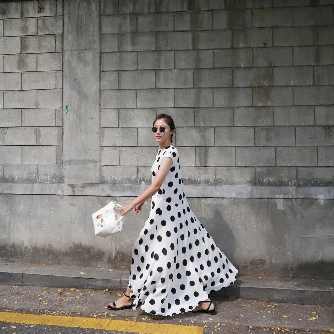 Gợi ý 5 mẫu váy thanh lịch, trang nhã cho các nàng đi dự đám cưới mà không sợ nổi hơn cô dâu - Ảnh 15.