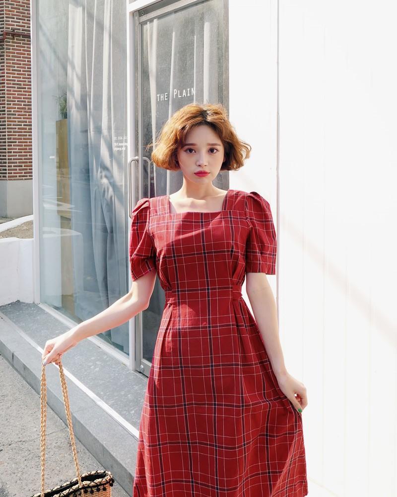Gợi ý 5 mẫu váy thanh lịch, trang nhã cho các nàng đi dự đám cưới mà không sợ nổi hơn cô dâu - Ảnh 18.