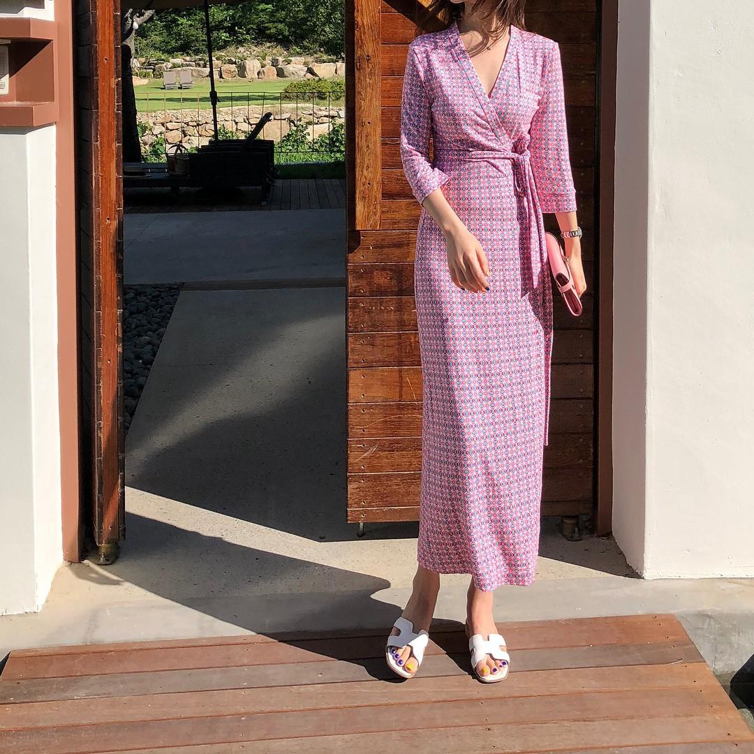 Gợi ý 5 mẫu váy thanh lịch, trang nhã cho các nàng đi dự đám cưới mà không sợ nổi hơn cô dâu - Ảnh 6.