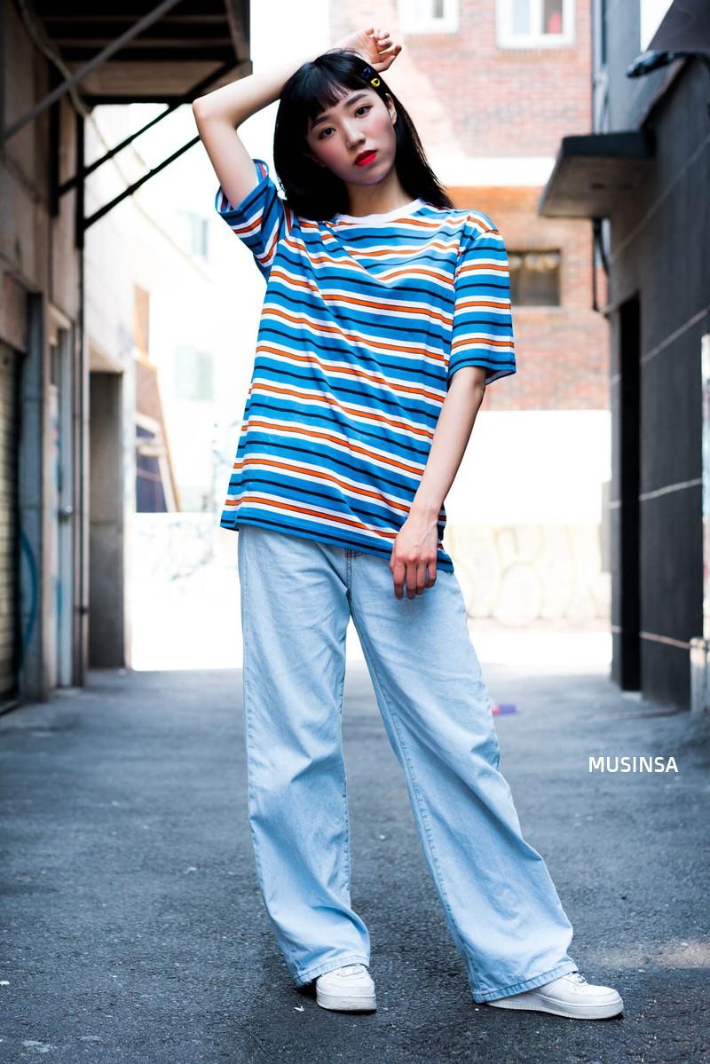 Street style ngập tràn áo phông đẹp hết nấc của giới trẻ Hàn tuần qua chứng minh đây luôn là item số 1 của mùa hè - Ảnh 1.