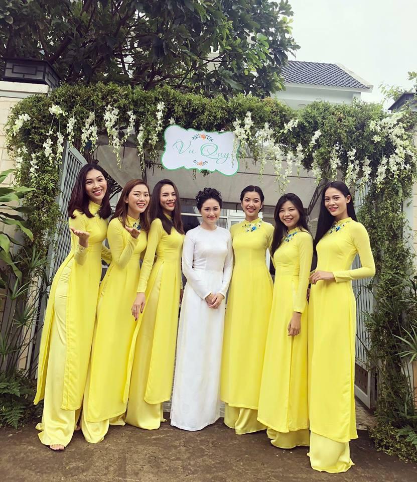 Đội hình bê tráp toàn mỹ nhân Vbiz xinh đẹp, nổi tiếng trong đám hỏi của Top 6 Hoa khôi áo dài 2014 - Ảnh 3.
