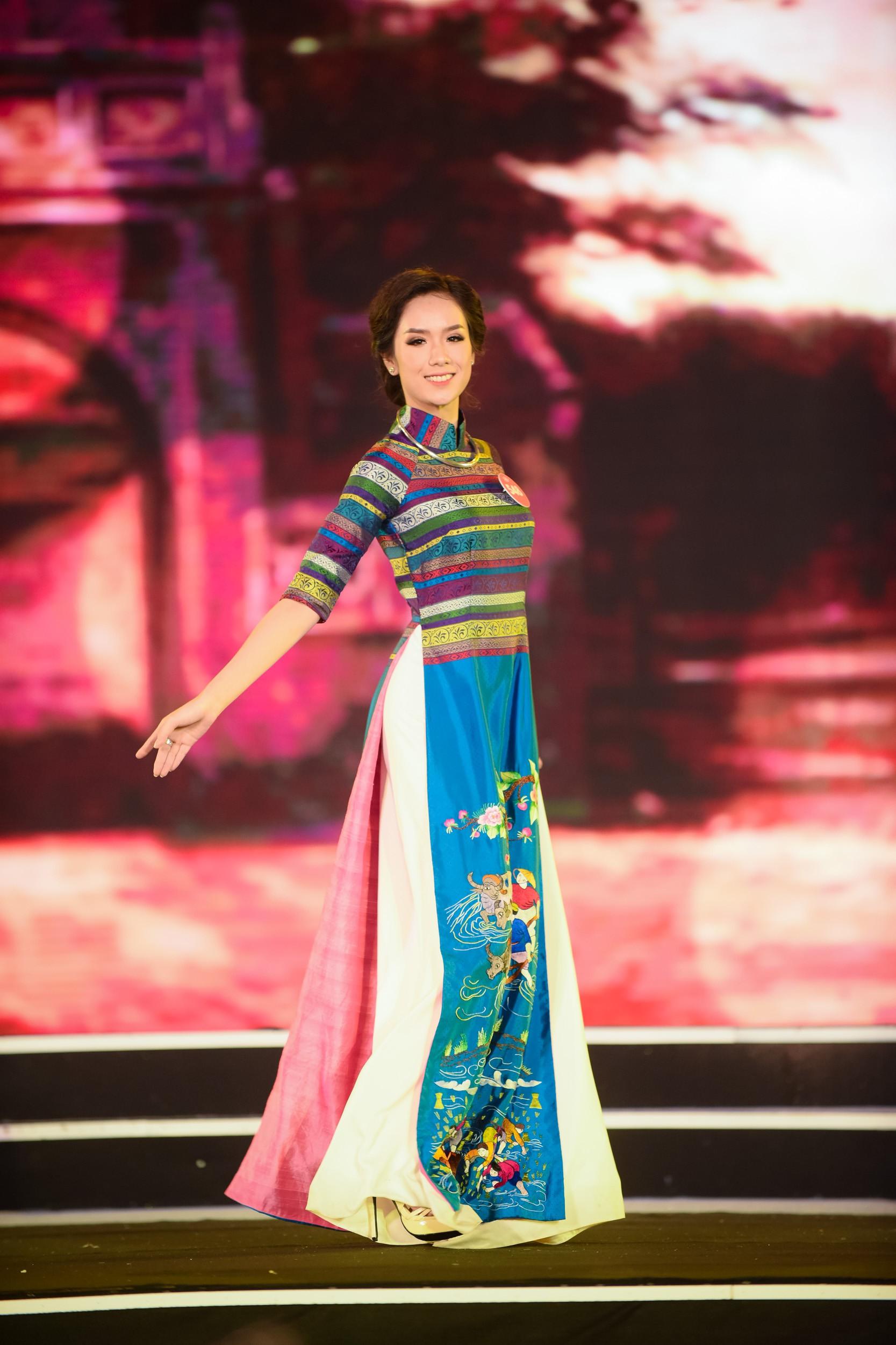 Cập nhật: 38 người đẹp phía Bắc của Hoa hậu Việt Nam tự tin trình diễn bikini, khoe hình thể nóng bỏng - Ảnh 2.