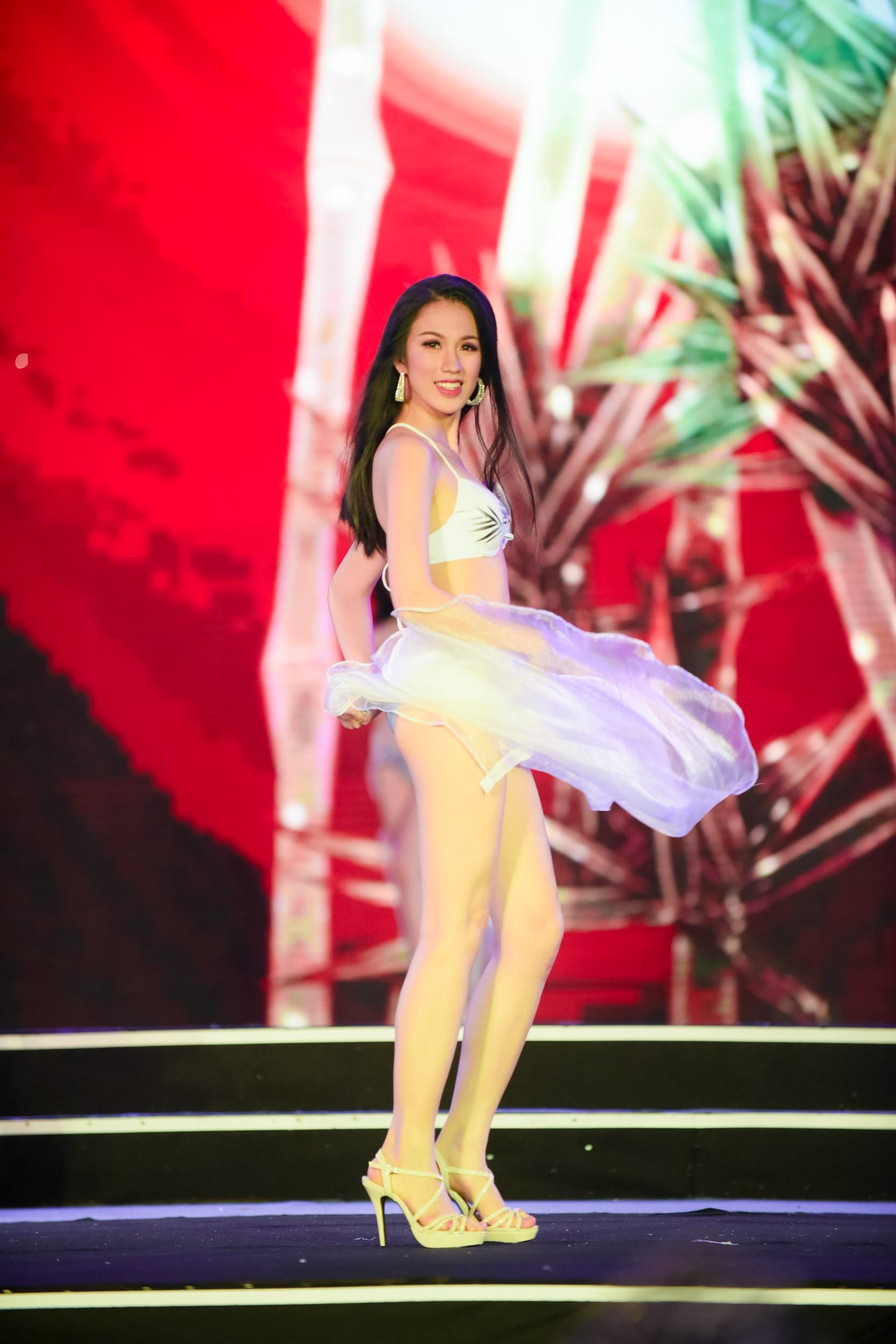 Cập nhật: 38 người đẹp phía Bắc của Hoa hậu Việt Nam tự tin trình diễn bikini, khoe hình thể nóng bỏng - Ảnh 9.