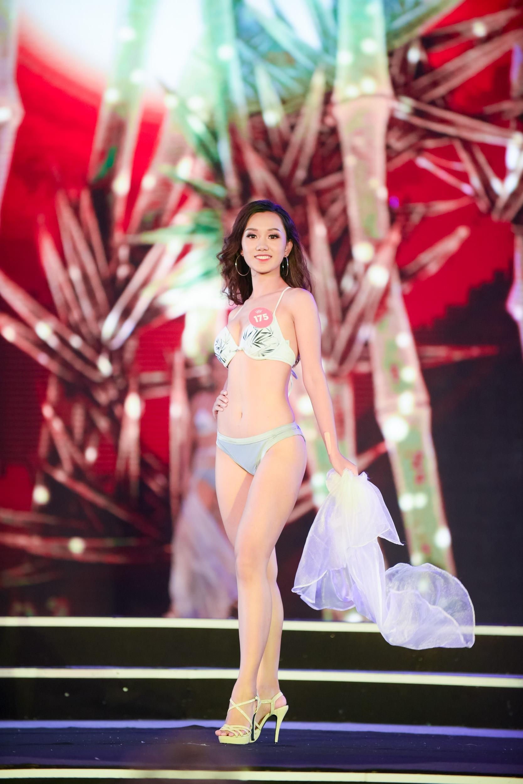 Cập nhật: 38 người đẹp phía Bắc của Hoa hậu Việt Nam tự tin trình diễn bikini, khoe hình thể nóng bỏng - Ảnh 8.