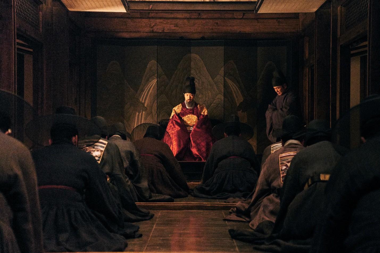 """Nỗi ô nhục nghìn thu của triều đại Joseon qua lăng kính điện ảnh trong """"Nam Hán Sơn Thành"""" - Ảnh 6."""