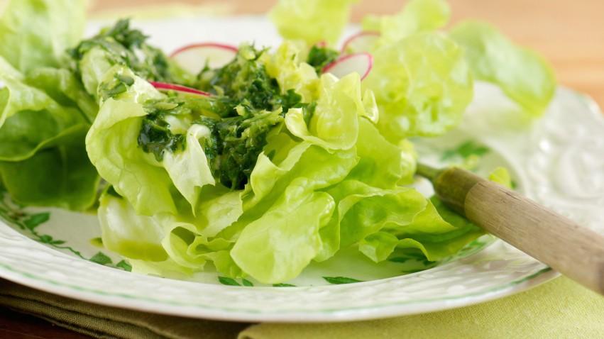 Mấy ngày Hà Nội lại nắng nóng, bổ sung ngay 7 loại thực phẩm giàu nước này để làn da luôn căng bóng, khỏe mạnh - Ảnh 1.