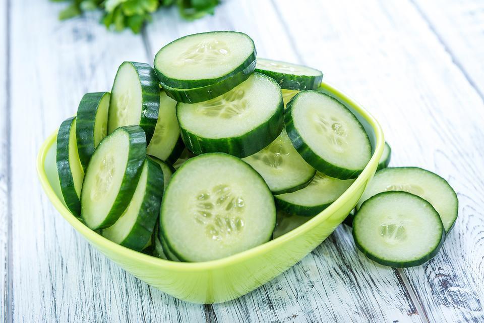 Mấy ngày Hà Nội lại nắng nóng, bổ sung ngay 7 loại thực phẩm giàu nước này để làn da luôn căng bóng, khỏe mạnh - Ảnh 2.