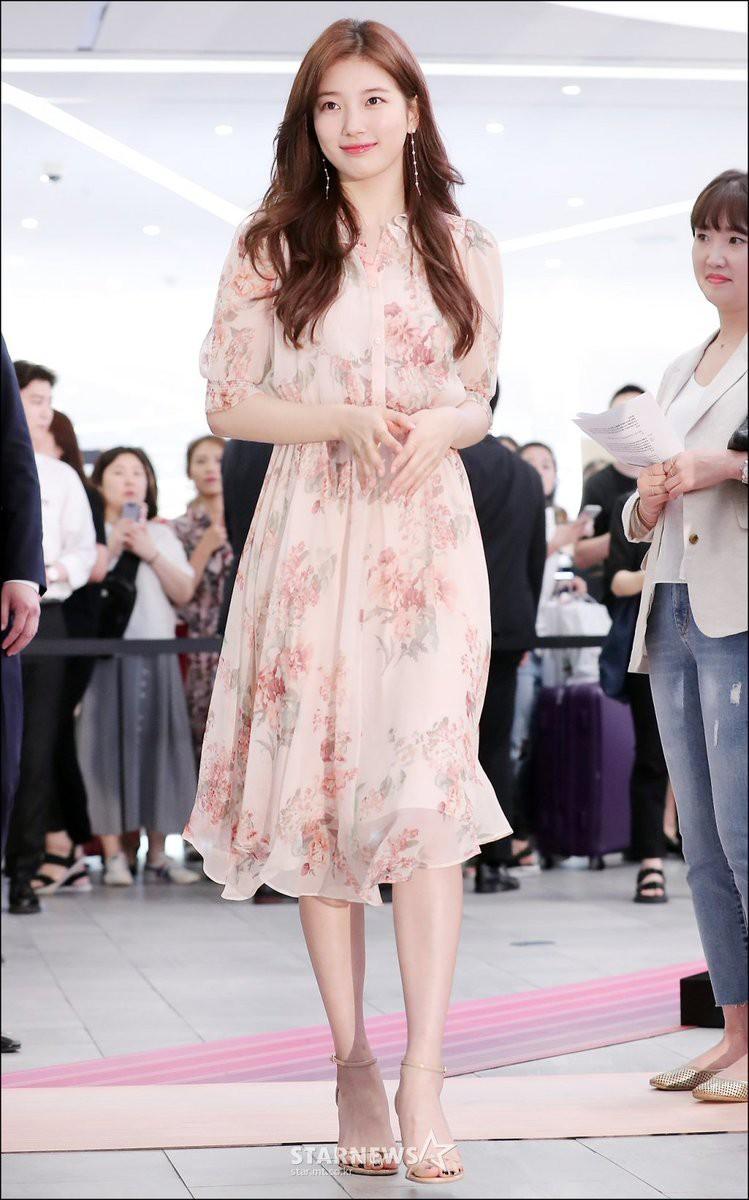 """Được cả loạt sao cùng diện, đây chính là những mẫu trang phục """"quốc dân"""" đang hot nhất ở Hàn Quốc thời gian này - Ảnh 3."""