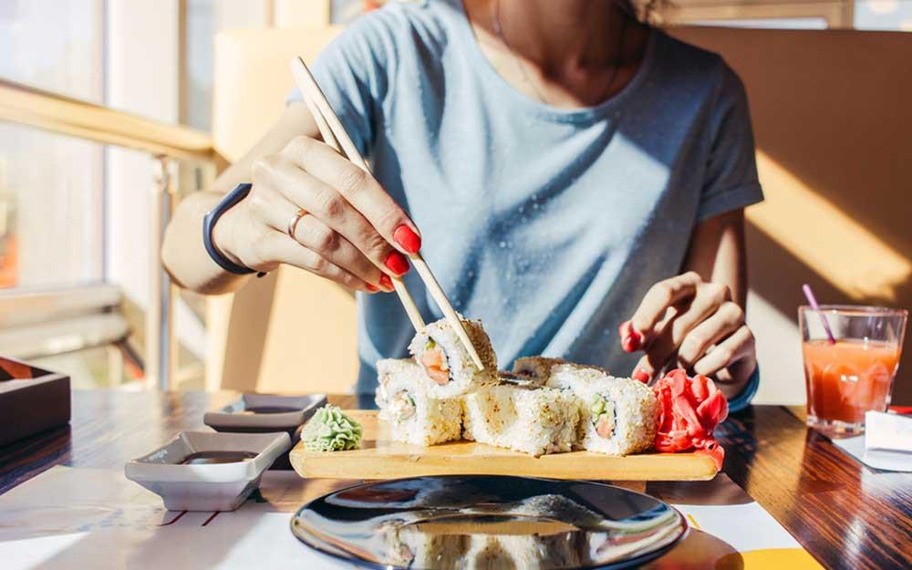 Phụ nữ Nhật có làn da trẻ trung bất chấp tuổi tác là nhờ duy trì 6 thói quen này mỗi ngày - Ảnh 1.