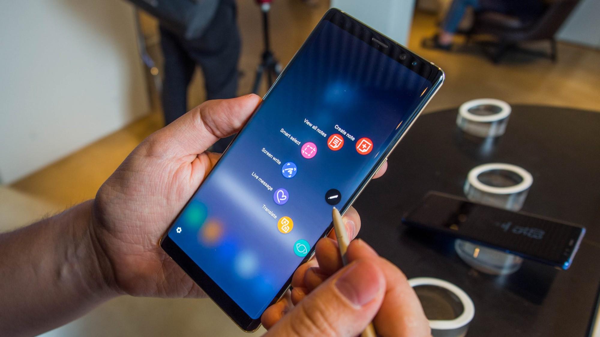 3 tin đồn nóng hổi khiến Galaxy Note 9 được háo hức chờ đợi hơn bao giờ hết - Ảnh 1.