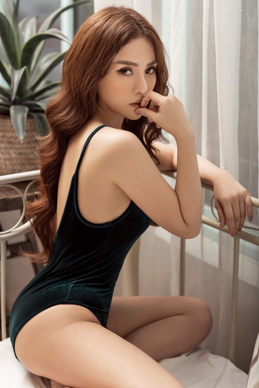 Thu Thủy khoe thân hình gái một con nuột nà trong bộ ảnh quảng bá cho bản ballad lụi tim mới - Ảnh 2.