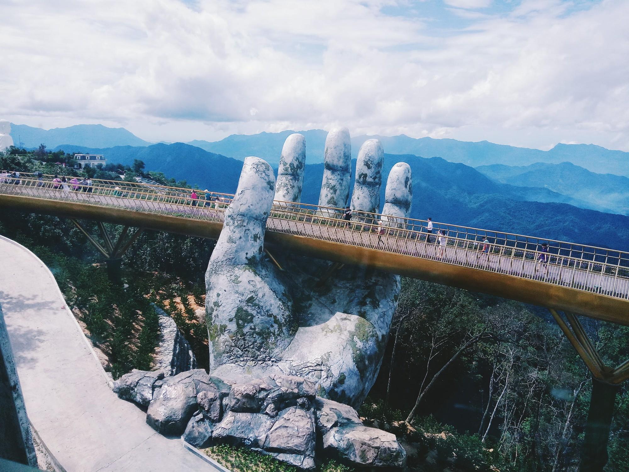 Tung ảnh chê Cầu Vàng ở Đà Nẵng đông nghịt khách, khác xa với tưởng tượng - người đăng bị ném đá vì quy chụp  - Ảnh 7.