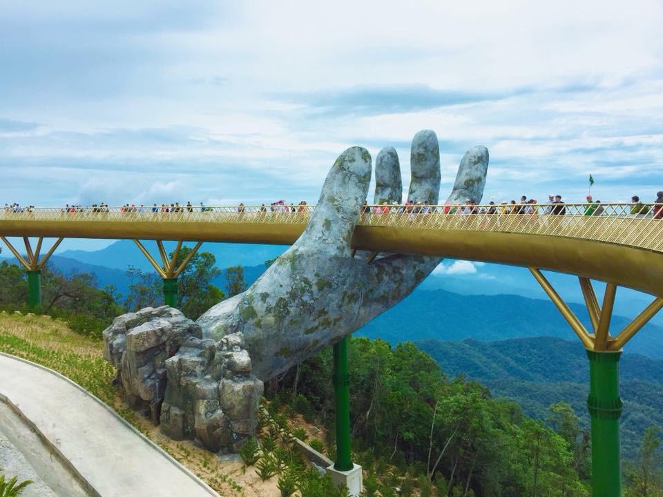 Tung ảnh chê Cầu Vàng ở Đà Nẵng đông nghịt khách, khác xa với tưởng tượng - người đăng bị ném đá vì quy chụp  - Ảnh 3.