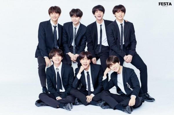 Album Love Yourself: Tear của BTS có thể sẽ không dễ dàng đạt giải thưởng album cuối năm vì đối thủ này - Ảnh 1.