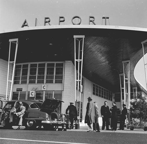 Hình ảnh cho thấy những đổi thay trong các chuyến bay xưa và nay - Ảnh 1.