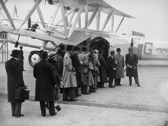 Hình ảnh cho thấy những đổi thay trong các chuyến bay xưa và nay - Ảnh 11.