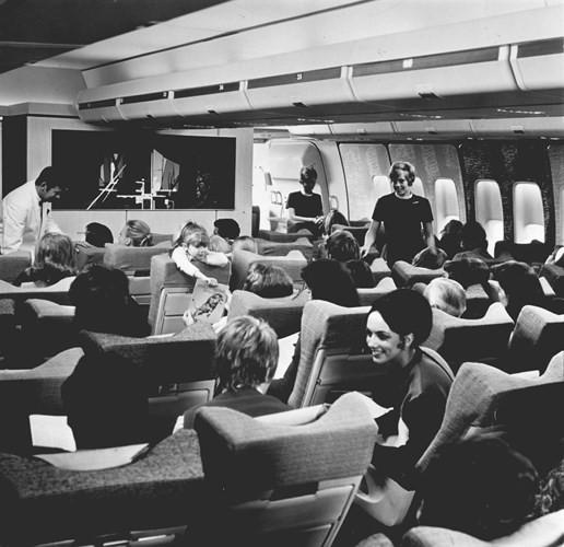 Hình ảnh cho thấy những đổi thay trong các chuyến bay xưa và nay - Ảnh 17.