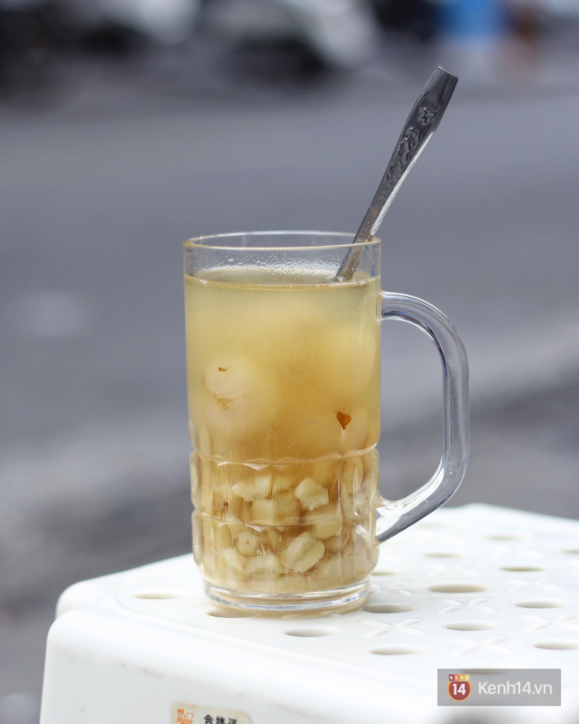 Ở Hà Nội có một món chè mà nhất định đến mùa thì ăn mới ngon - Ảnh 1.